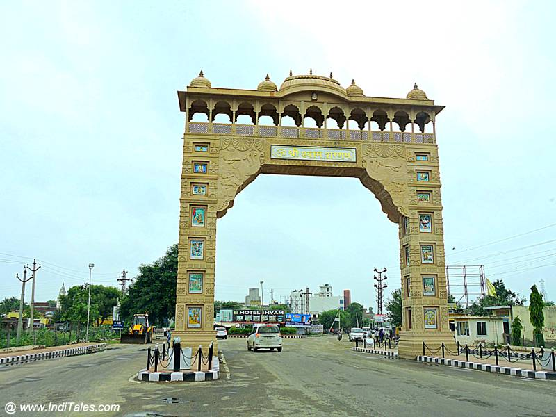 Arch at the entry of Khatu Village