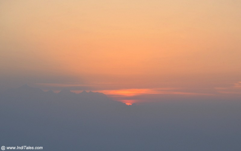 First glimpse of Sunrise at Binsar