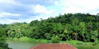 Kandy - on the banks of Mahaweli River
