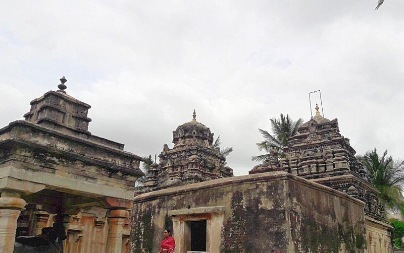 Ramalingeshwara and Lakshmanalingeshwara Temples