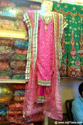 Khara Dupatta on a Mannequin
