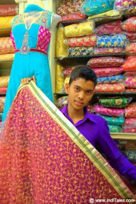 A Khara Dupatta shop at Laad Bazaar Hyderabad