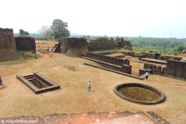Mirjan Fort inside view