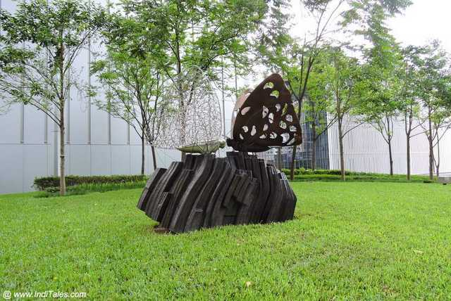 The Scent of Spring, a sculpture depicting butterflies