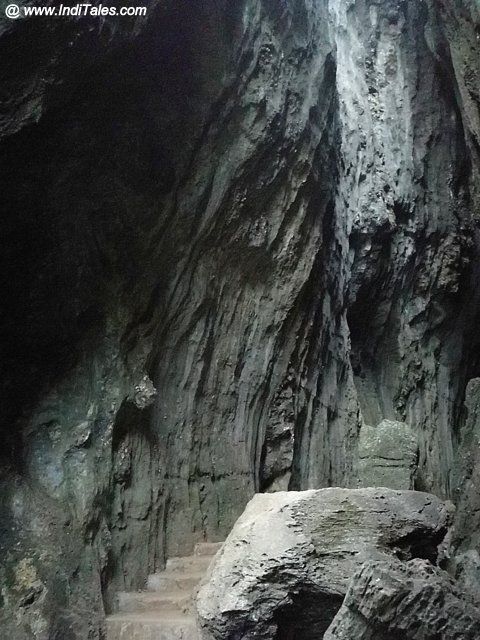 Walk through the Bhairaveshwara Yana Rocks