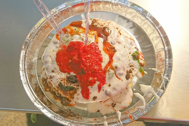 Kalkatta Dahi Wada - Mouth watering Street food in Jaipur to try