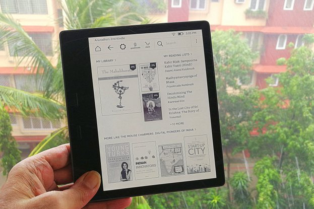 Kindle Oasis in Goan Rains