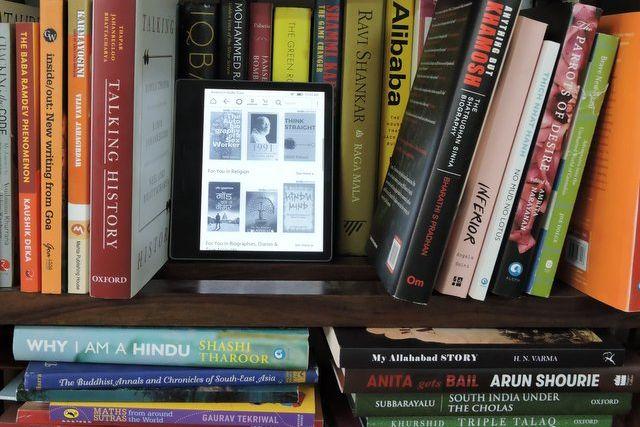 Kindle Oasis – A Perfect Travel Companion | Inditales