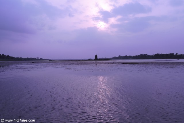 Baneshwar Temple in Narmada at Sunset