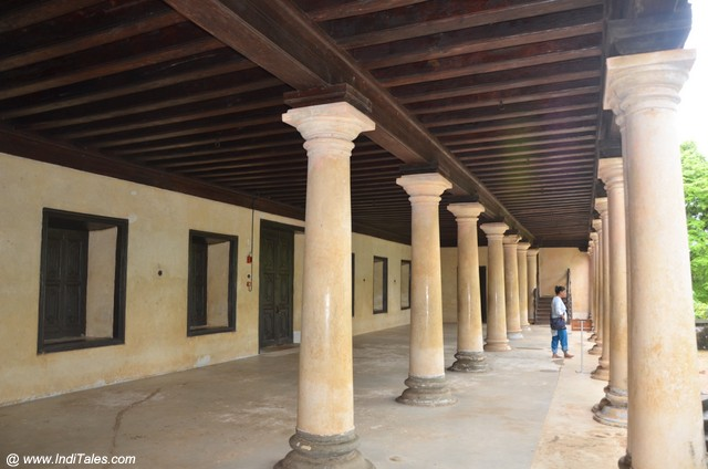 Foyer Padmanabhapuram Palace - Kanyakumari Tourist Places