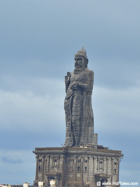 Giant statue of poet Thiruvalluvar