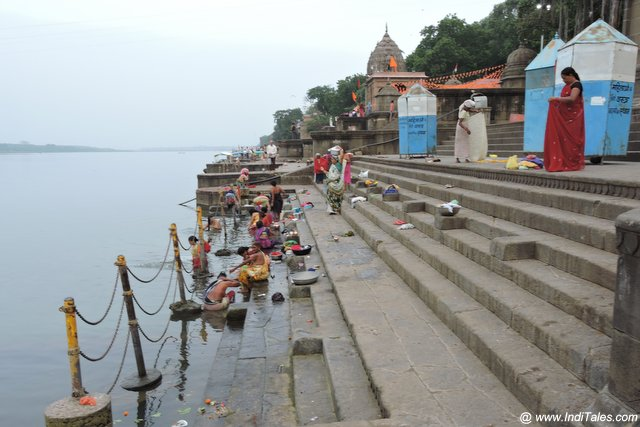 Busy yet not crowded ghats of Narmada at Maheshwar