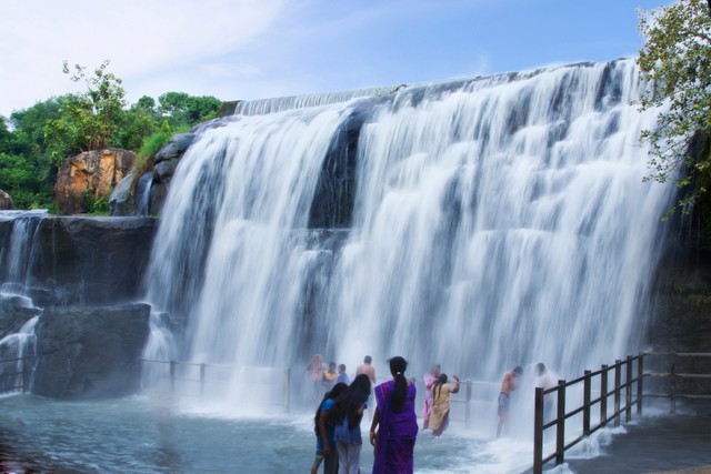 Thirparappu Waterfalls - Kanyakumari Tourist Places