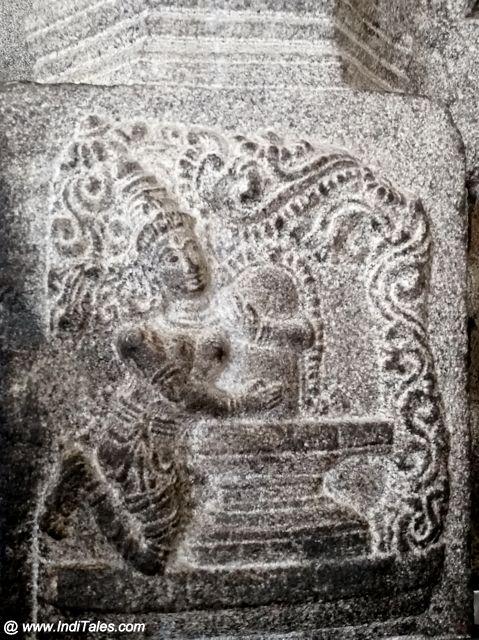 Parvati embracing the Shivalinga - Sculpture at Kamakshi Temple in Kanchi