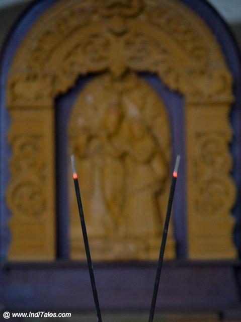 Sandalwood Incense Sticks for the fragrance