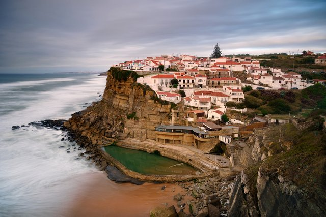 Azenhas do Mar village on the edge of a cliff near Sintra, Lisbon