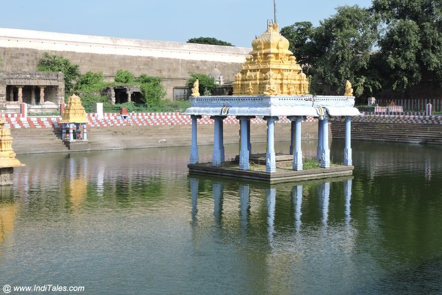 Ananth Saras temple tank of Vishnu the biggest temple in Kanchipuram