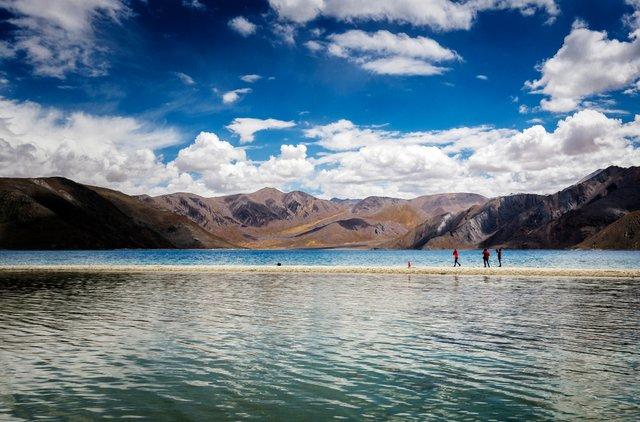 Tourists at the Pangong Lake, Ladakh