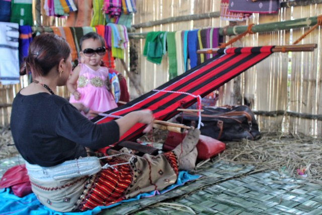 Traditional weaving demonstration at Basar Confluence