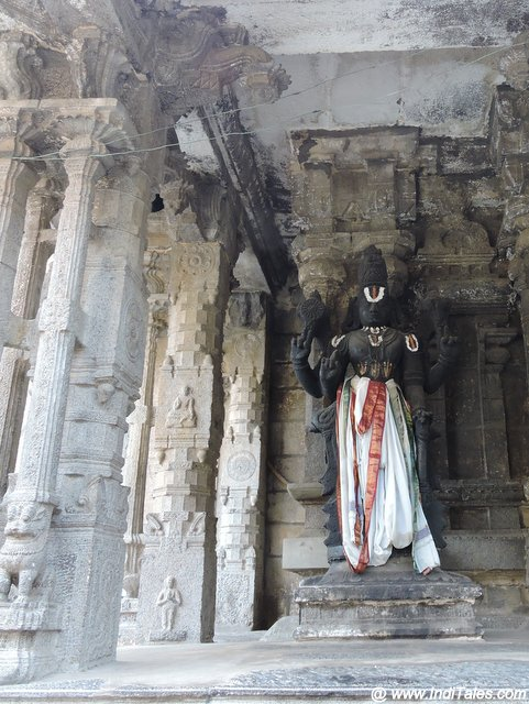 Vishnu Murti - Varadaraja Perumal Temple Complex