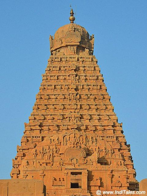 80 tonne Stone Shikhar - a wonder of Indian Architecture