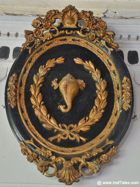 Travancore Royal Emblem a Conch at Kuthiramalika Palace