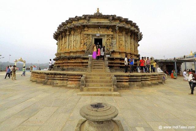 Vidyashankara Temple front facade