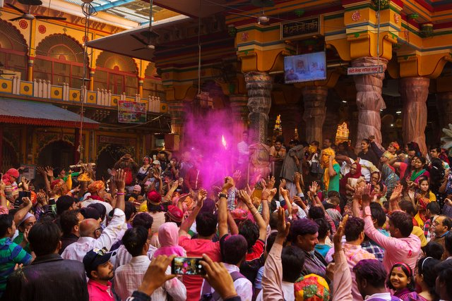 Holi at Dwarkadheesh Temple - Mathura
