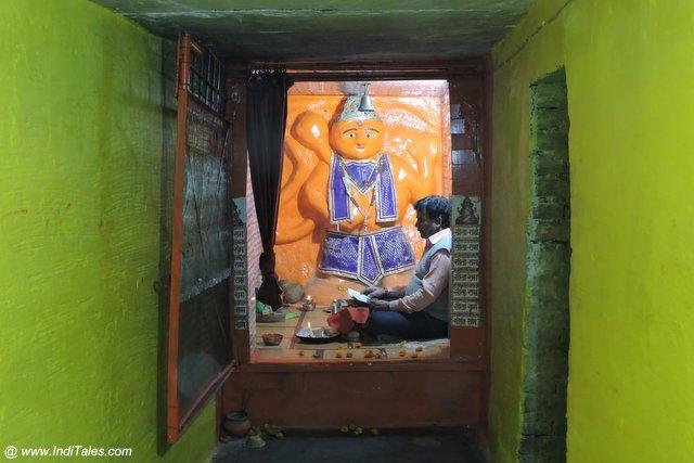 Khade Hanuman Ji Temple - Jhusi Prayagraj