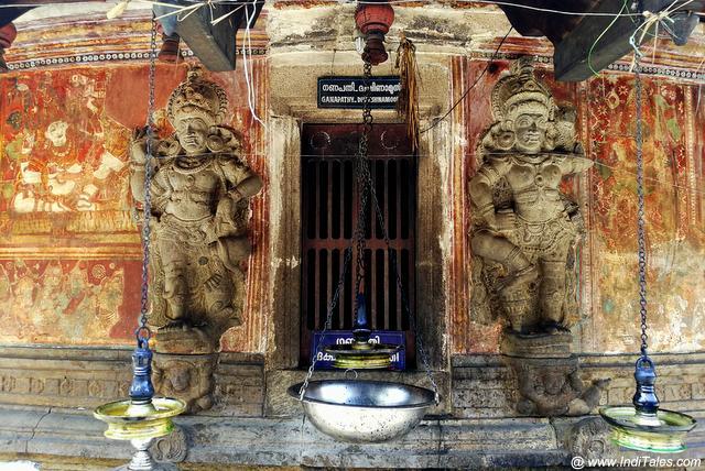 Dwarapalas at Nayathodu Sankara Narayana Temple