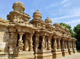 8 Shrines in front of Kailasanathar Temple