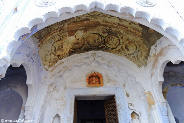 Painted ceilings of homes and temples around Mansi Ganga - Govardhan Parikrama