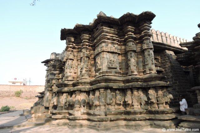 Sculpted Walls of Khidrapur Temple