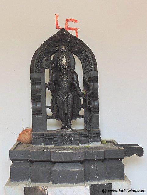 Parshuram Murti in Stone