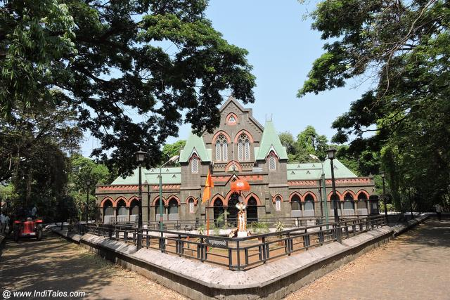 Town Hall Museum - Places to visit in Kolhapur