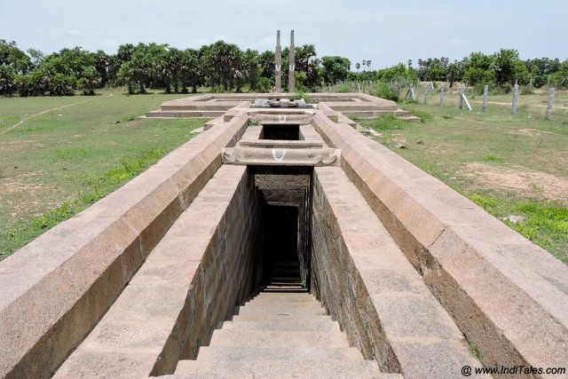 Long and narrow Nata Bhavi stepwell - places to visit in Kanchipuram