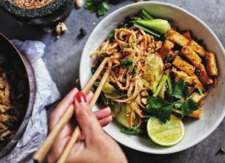 Pad Thai noodles with Tofu and mixed vegetables
