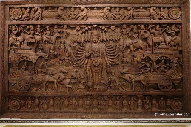 Vishwaroop in wood at Braj Shosh Sansthan
