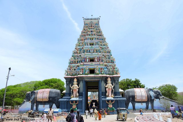 Nagapooshani Amman temple gopuram