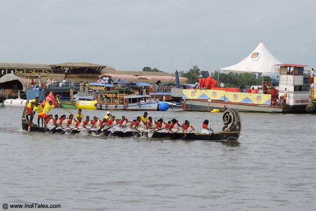 Women's Boat Race in Kerala