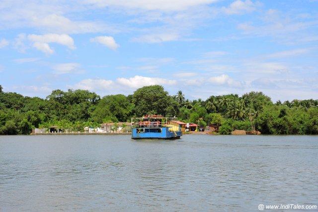 Ferry to Divar Island