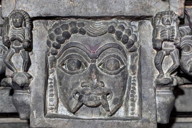 Betal Toran - Lakshmi Devi Temple Doddagaddavalli, Hoysala Temples