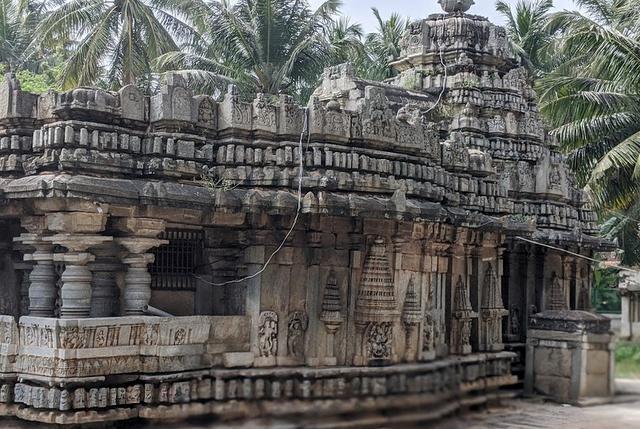 Brahmeshwar Temple Kikkeri