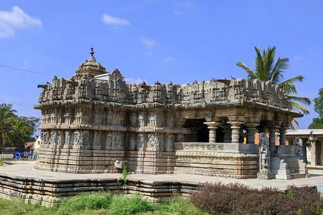 Lakshmi Narasimha Temple - Javagal. Hoysala Temples