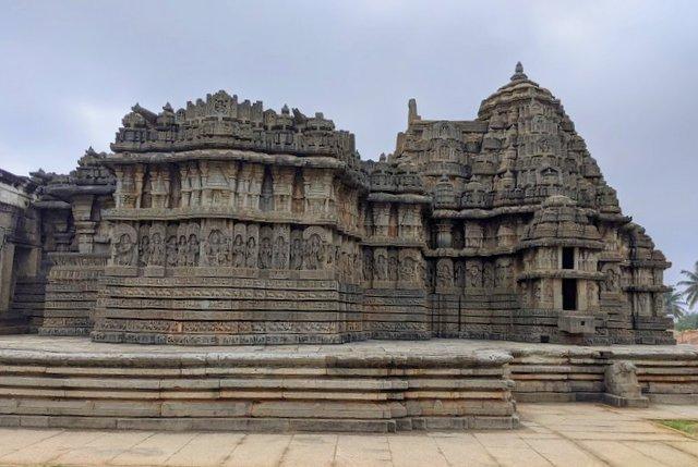 Lakshminarayana Temple Hosaholalu - Hoysala Temples