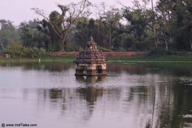 Mahamaya Pushkarni - Chausath Yogini Temple