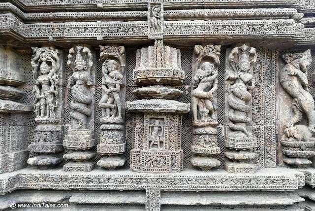नाग नागिनी प्रतिमाएं