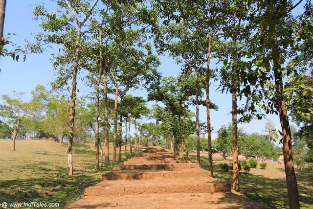 Walkway to Ratnagiri Vihara