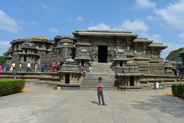 Southern entrance landscape view of Hoysaleshwar temple